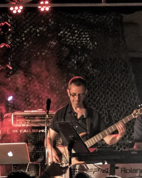 orchestre double jeu yann forner bassiste